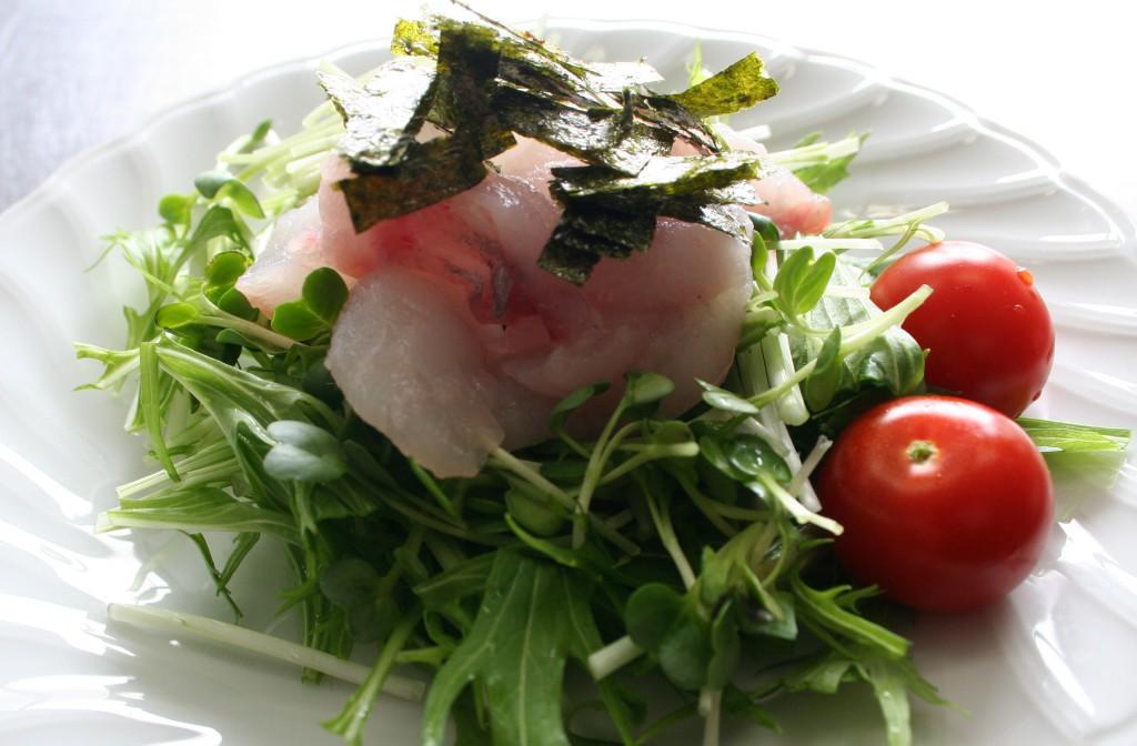 刺身の胡麻ドレッシングサラダ